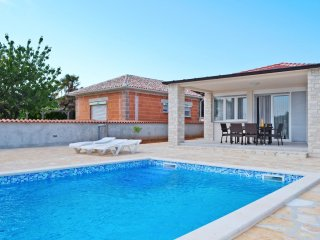 2 bedroom Villa in Medulin, Istria, Croatia : ref 5506469