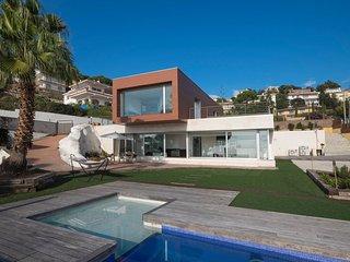 4 bedroom Villa in Lloret de Mar, Catalonia, Spain : ref 5506409
