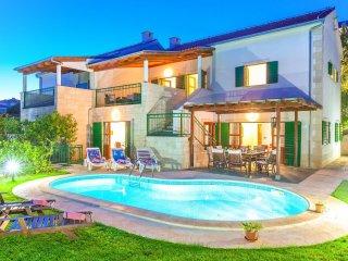 4 bedroom Villa in Hvar, Splitsko-Dalmatinska Županija, Croatia : ref 5506341