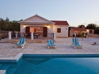 3 bedroom Villa in Mirca, Splitsko-Dalmatinska Zupanija, Croatia : ref 5506328