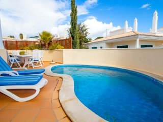3 bedroom Villa in Vale do Lobo, Faro, Portugal : ref 5480137