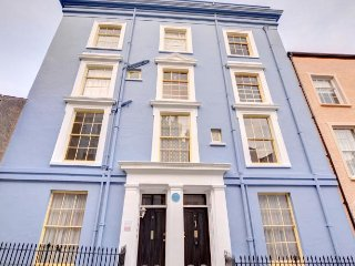 One of the Best locations in Tenby - Waldo  25955