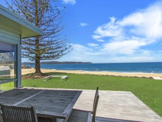CORAL BEACH HOUSE - PEARL BEACH