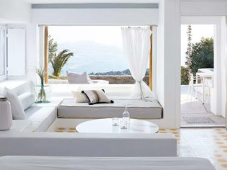 Tourlos Suite with sea view and outdoor Jacuzzi