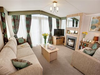 Spacious 3 bed caravan with SEA VIEWS on Devon Cliffs