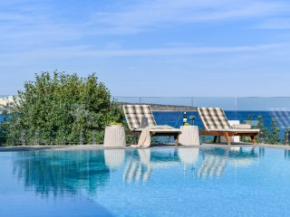 Agios Nikolaos Beach Villa - Easy Beach Access