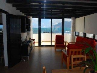 105155 -  Apartment in Famara