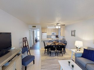 Steps from the Beach 2 Bedroom, 3 Bath Moorings unit in Palmetto Dunes