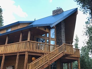 NEW Large Cabin for Family & Friends to Enjoy - Close to many outdoor activities