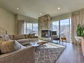 NEW! Renovated 3BR Park City Townhome w/Mtn Views!
