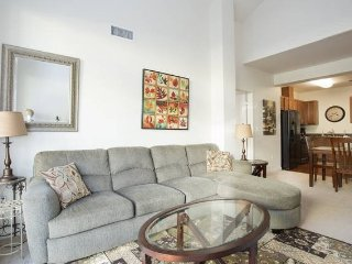 Upscale 2BD/2BA apartment along Columbia River