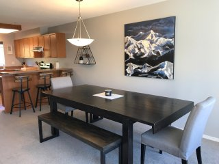 Newly Refinished Ski-in/Ski-out 4 Bedroom Townhouse at Mount Washington BC