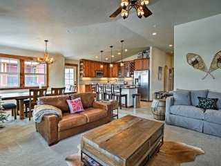 2BR Winter Park Condo w/ Hot Tub & Mountain Views!