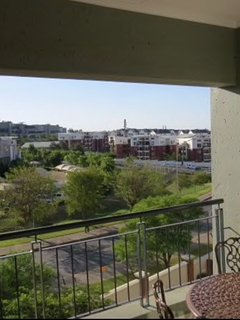 Own-use balcony with own barbeque to enjoy breakfast/dinner/relaxation.