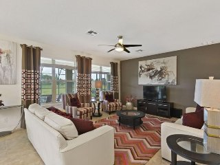 951SP. Exquisite West Haven 6 Bedroom Pool Home In DAVENPORT FL