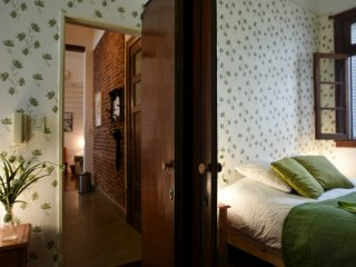 Quiet, Sleeps 4, on Defensa in San Telmo
