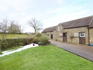 MARTINSLOW FARM, en-suite, countryside views, Peak District National Park, Ref 9