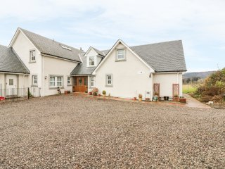 THE ISLAY, open-plan, near Pitlochry, views of Ben Vrackie, Ref 971497