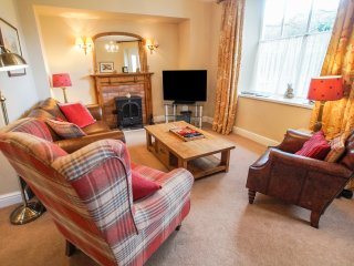 OLD BAKERS COTTAGE, all ground floor, en-suites, WIFI, centre of Grasmere, Ref
