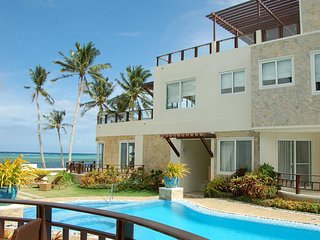 Boracay Apartments at 7 Stones - One Bedroom Deluxe Apartment