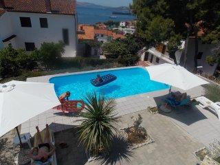 Ferienwohnung 4236-1 für 2 Pers. in Trogir