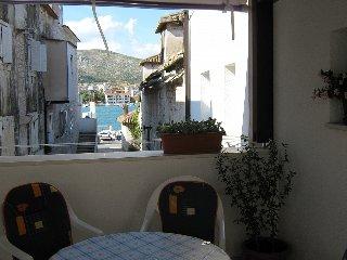 Ferienwohnung 4237-1 für 4 Pers. in Trogir