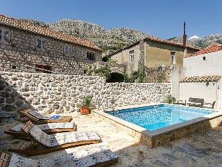 Ferienhaus 4196-1 für 12 Pers. in Cavtat