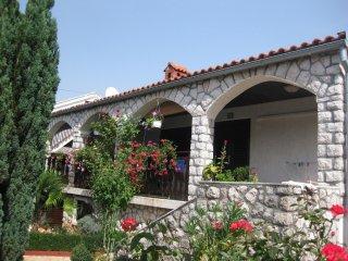 Ferienwohnung 903-2 fur 4+1 Pers. in Njivice