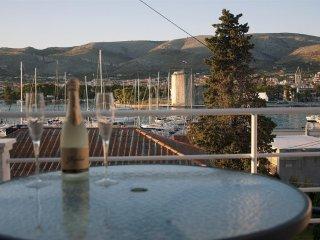 Ferienwohnung 3788-2 fur 4 Pers. in Trogir