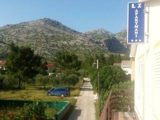Ferienwohnung 3717-1 für 4 Pers. in Starigrad-Pakl