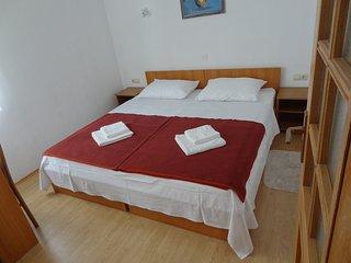 Ferienwohnung 3693-8 fur 6 Pers. in Vrboska