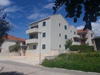 Ferienwohnung 3694-1 für 4+1 Pers. in Stari Grad (