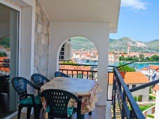 Ferienwohnung 604-3 für 4+2 Pers. in Trogir