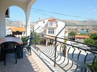 Ferienwohnung 604-2 für 4 Pers. in Trogir