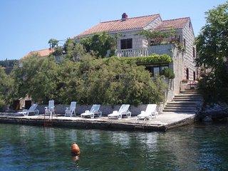Ferienhaus 3620-5 für 10 Pers. in Lumbarda