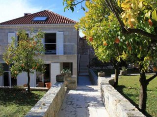 Ferienhaus 3612-1 für 10 Pers. in Cavtat
