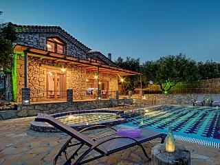 Tireda 2 Villa, Keri Zante