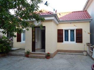 Ferienwohnung 607-3 fur 3 Pers. in Starigrad-Pakle
