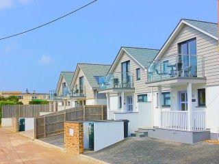 3 The Navigators - Luxury contemporary beach villa 100 meters from the beach