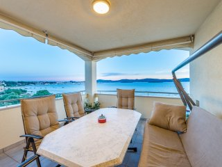 Holiday Apartment Sea Breeze