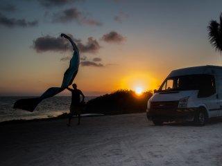 VanBalam: Campervan 'Mobile Glamping'