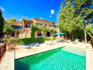 Villa Calvi for 6 guests with a private pool and gorgeous views of Pollensa!
