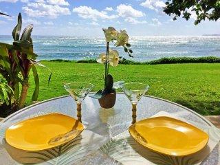 Beachfront Kapa'a Sands Studio w/Ocean View Lanai!
