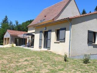 Maison avec piscine intérieure et spa, magnifique vue sur vallée Dordogne