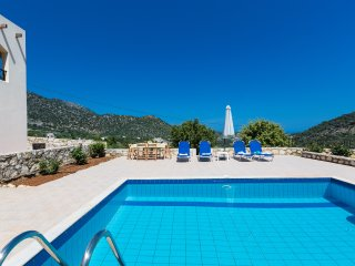 VILLA KOSTIS WITH PRIVATE SWIMMING POOL AND SEAVIEW