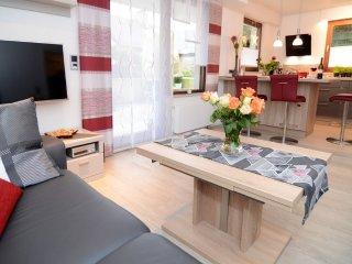 Modern eingerichtete Ferienwohnung 55 qm + 22 qm Terasse für 3 Personen