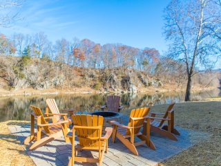 5 BR on Shen River Kayaks Hot tub Pool close to Massanutten Resort