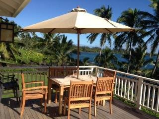Beautiful Oceanfront Beach Cottage at Hana Bay