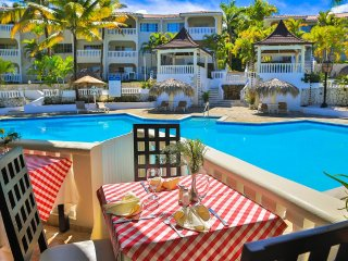 ONE Bedroom Residence Suites with Chairman's Circle Samana Elite Members