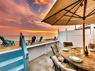 25% OFF JAN+FEB! Perfect Beach Front Family Home w/ Endless Sunsets